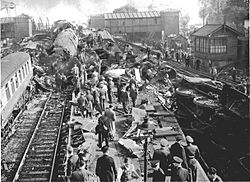 Harrow and Wealdstone train crash.jpg