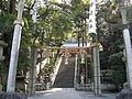 Hiraoka-jinja haiden1.jpg