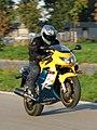 Honda CBR F4 (1999) wheelie.jpg