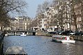 Houses and canals in Amsterdam (25674673723).jpg