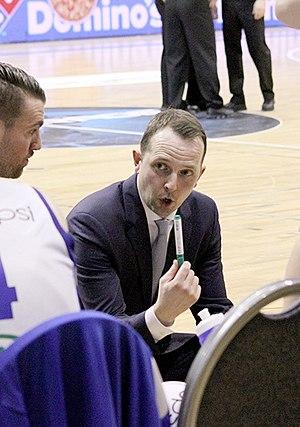 Hrafn Kristjánsson - Hrafn coaching Stjarnan at the 2015 Icelandic Cup finals.