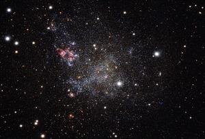 Aufnahme der Zwerggalaxie IC 1613 mithilfe des VST.