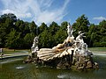 Impressive Fountain at Cliveden - Scantily clad frolics - panoramio.jpg