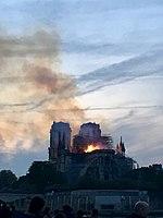 Incendie Notre Dame 20h49.jpg