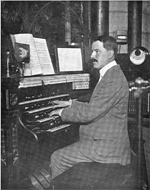 Ivor Atkins - Atkins at the Worcester Cathedral organ