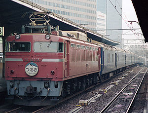 Tsurugi (train) - A Class EF81 electric locomotive at the head of a Tsurugi sleeping car service