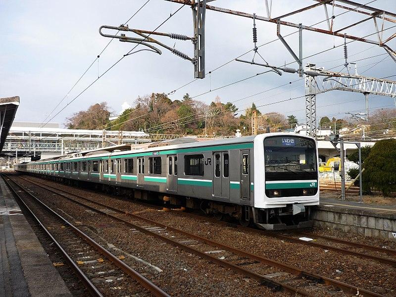 File:JR East E501 at Iwaki Station.jpg
