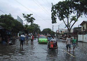 Jakarta overstroming 2002.JPG