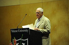 Description de l'image  James Salter at Tulane Lecturn 2010.jpg.