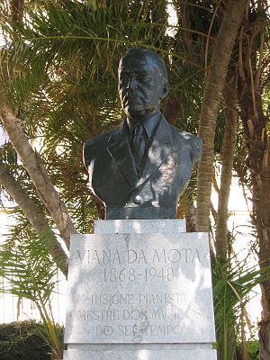 José Vianna da Motta - Statue of Vianna da Motta in the Jardim do Torel, Lisbon