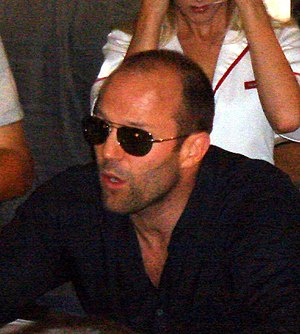 Jason Statham - Statham signing autographs at the 2006 San Diego Comic-Con International.