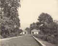 KITLV 100434 - Unknown - Palace Gardens, presumably in Kashmir in British India - Around 1870.tif
