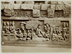 KITLV 28066 - Kassian Céphas - Relief of the hidden base of Borobudur - 1890-1891.tif