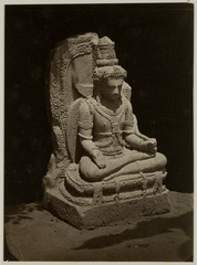 KITLV 28219 - Isidore van Kinsbergen - Hindu sculpture of a seated figure at Yogyakarta - 1865-07-1865-09.tif