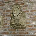 Kalkstenen kraagsteen, man, Brabant, uit de 15e eeuw afkomstig van kasteel Heeswijk - Heeswijk - 20397441 - RCE.jpg