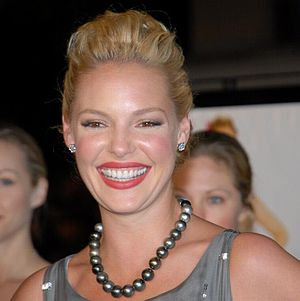 Katherine Heigl at 27 Dresses Premiere 3.jpg
