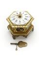 Kedjedrivet, sexsidigt ur med emaljerad urtavla med timmar i latinska siffror, minuter i arabiska - Skoklosters slott - 91924.tif