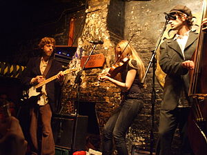 12 Bar Club - Kendel Carson performing in 2008