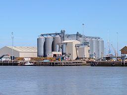 King's Lynn Docks httpsuploadwikimediaorgwikipediacommonsthu