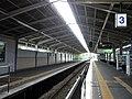 Kintetsu Tenri Station platform 3.jpg