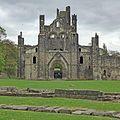 Kirkstall Abbey (17316668720).jpg