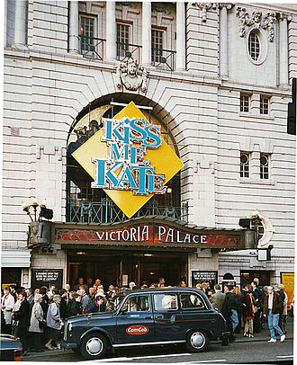 Victoria Palace Theatre - The Victoria Palace Theatre during the 2002 season, showing Cole Porter's 1948 musical comedy Kiss Me, Kate
