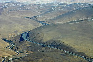 Interstate 580 (California) - I-580 at the Altamont Pass Wind Farm