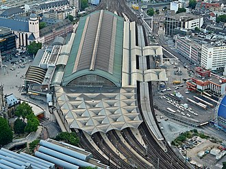 Köln Hauptbahnhof - Aerial view of the station in 2010