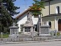Kriegerdenkmal 07 05 2008.JPG