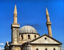 Kurtuluş camii-Aziz Gregor Ermeni Kilisesi-Gaziantep - panoramio.jpg