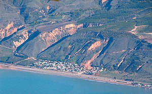 2005 La Conchita landslide - La Conchita landslide, photo taken  14 January 2005
