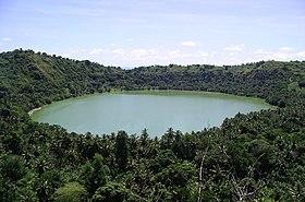 Lac dziani vue.jpg
