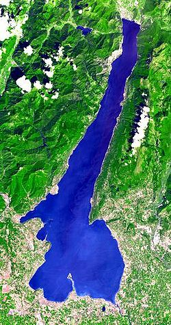 Lake garda from space.jpg