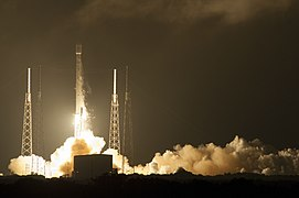 Launch of Falcon 9 carrying ASIASAT 8 (16668638138).jpg