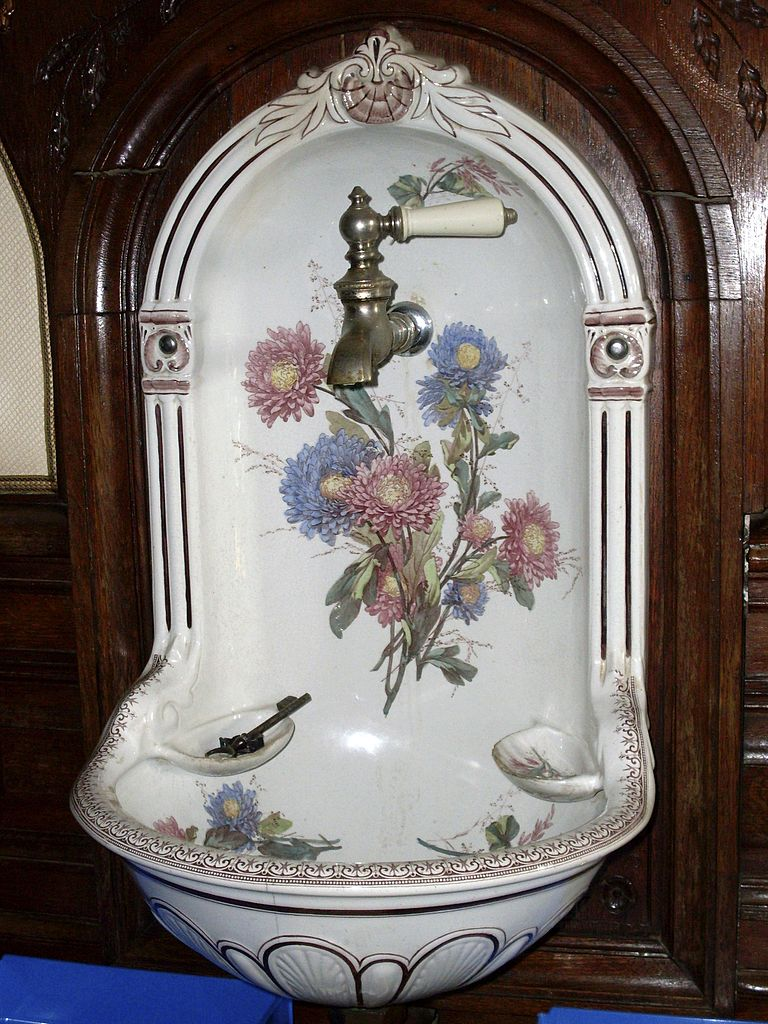 file lave main porcelaine jpg wikimedia commons. Black Bedroom Furniture Sets. Home Design Ideas