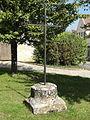Le Perchay (95), Grande-Place, croix.JPG