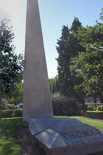 Le Quesnoy - Monument to Eugène Thomas