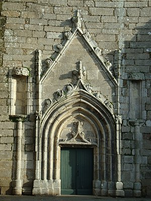 Montournais - The west door of the Church of Our Lady, in Montournais