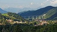 Le viaduc et le village de Monestier-de-Clermont.jpg