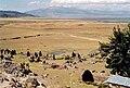 Le volcan Sarasara et le lac Parinacochas. Vue des hauteurs d'Incawasi.jpg
