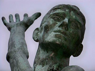 Leipzig Suedfriedhof Denkmal.jpg