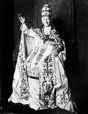 Papal regalia and insignia - Pope Leo XIII in papal vestments (falda, stole, mantum and tiara).