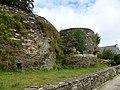 Les remparts du chateau - panoramio.jpg