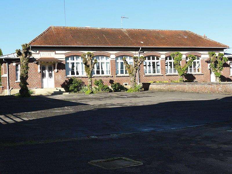Liez (Aisne) écoles filles (g), garçons (d)
