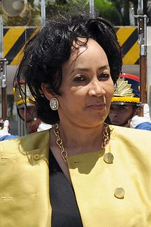 Lindiwe sisulu marriage boot