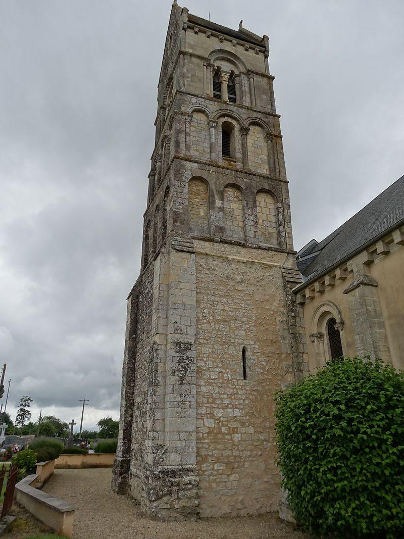 Longraye (Calvados). Clocher de l'église St Pierre.JPG