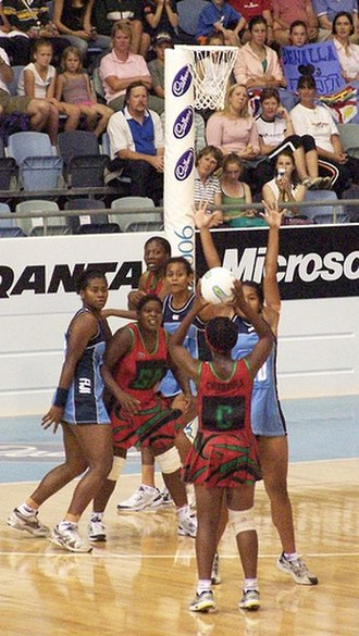 Netball - Malawi (red) playing Fiji (blue) at the 2006 Commonwealth Games