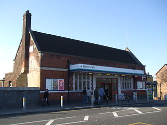 Manor Park railway station - Image: Manor Park stn building