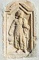 Maria Saal Pörtschach am Berg Pfarrkirche röm. Grabbaurelief Dienerinmotiv 27122018 6440.jpg