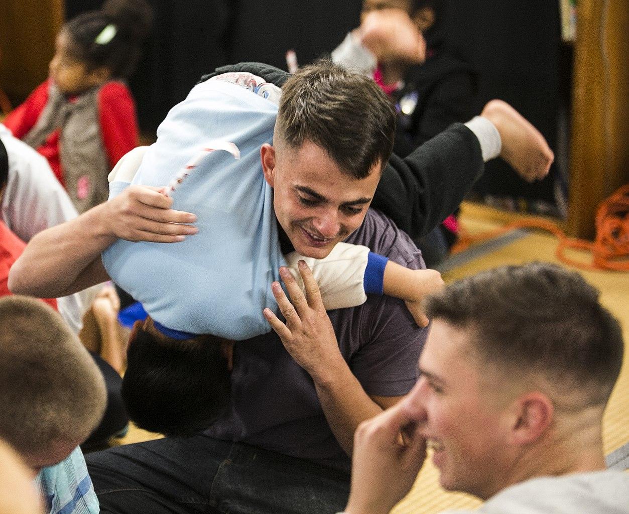 File:Marines\' gifts bring Christmas joy to children 141215-M-RZ020 ...
